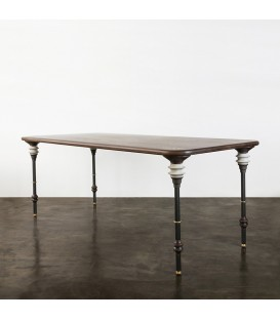 Kimbell 栗黑橡木餐桌