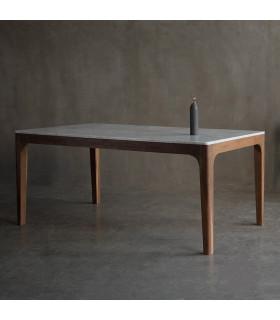 Curve 大理石餐桌